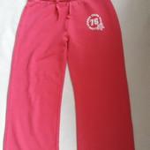 Спортивные брюки фирмы Vintage Angels 8-9 лет 134 см.