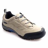Мужские спортивные ботинки бежевого цвета