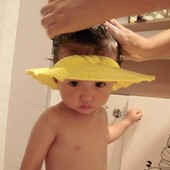 Козырек для мытья головы малышей  регулирующий Lindo