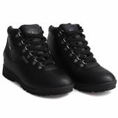 Мужские зимние спортивные ботинки черного цвета