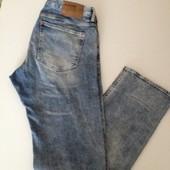 Фирменные джинсы Denim ( р.34 )новые( бирка срезана)