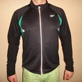 спортивная куртка Nike, размер XL  состояние новой, не носилась сделана в Индонезии