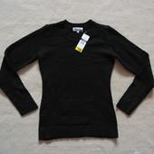 Фирменный свитер  черный