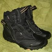 Зимние термо ботинки Quechua 39 р-р стелька - 25 см, в идиальном состоянии, не промокают, хорошая те