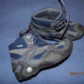 (№і181)мембранные кожаные ботинки 33 р Lowa Gore-tex