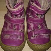 Ботинки демисезонные 23-й размер