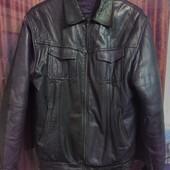 50-52 рр Кожаная куртка с подстежкой на синтепоне