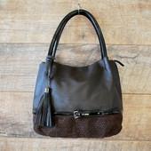 Милая элегантная коричневая  сумочка с камнями