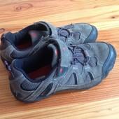 Karrimor кожаные кросовки 34р. Отличное состояние. Супер цена