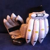 Перчатки бэттера для игры битой (детские S)
