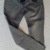 В идеале джинсы на 122 см.