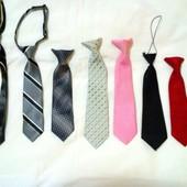 Фирменные галстуки размеры от 1-5 лет