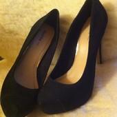 Красивые черные туфли на высоком каблуке Bershka (размер 41)