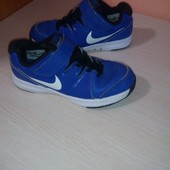Кроссовки  Nike р us 1,5  uk 1 eur 33 стелька  21см