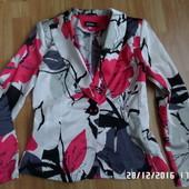 Monaga S-M нарядний піджак 36 євророзмір