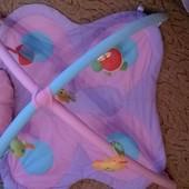 Развивающий коврик с дугами Бабочка. В отличном состоянии