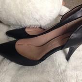 Классные кожанные туфельки Next, размер 37