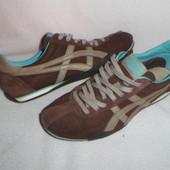 Asics  оригинальные кроссовки 41.5