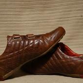 Легкие  спортивные туфли коричневого цвета Firetrap . Англия. 44 р.