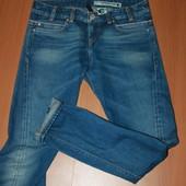 очень крутые джинсы Levi's размер 28