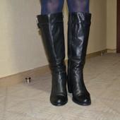 Брендовые кожаные сапоги итальянского бренда Vera Gomma. Размер 39.