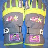 Яркие, лыжные перчатки C&A размер 9,5