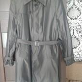 Очень красивый стильный мужской плащ-пальто!Состояния нового!
