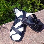 Цена снижена !!!Сандалии кожаные размер 40-25,5 см  бело-чёрные