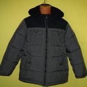 Зимняя куртка GAP оригинал 134-140 рост, в отличном состоянии. Отличное качество. Рук. от плеча - 50