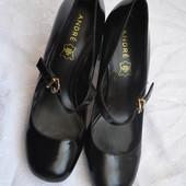 Классные туфли на широком каблуке