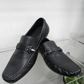 Новые кожаные туфли 44 разм.