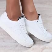 Криперы, кожаные, белые, на белой подошве, на шнурках