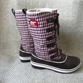Sorel р.40 злегка утеплені ботинки