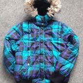 Мега-теплая куртка на 13-14 лет. Состояние отличное. Смотрим замеры и фото в магазине.