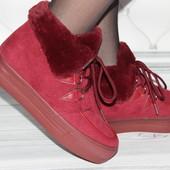 Женские ботинки бордового цвета