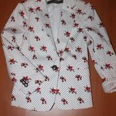 классный пиджак zara/ размер с (26)