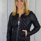 Женская куртка из эко-кожи со вставками