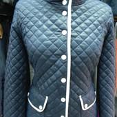 Демисезонная куртка 46 разм