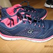 (№552)фирменные кроссовки 38 Graceland