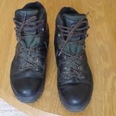 Ботінки шкіряні розмір 45 стелька 29,5 см Montain Trekking