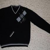 светер у доброму стані