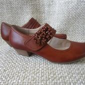 Caprice р.36 класичні туфлі на каблучку шкіряні