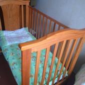 Кровать детская с матрасом,с пастельным комплектом!