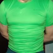 Спортивная фирменная  термо футболка  Quechua (Кечуа)s-m