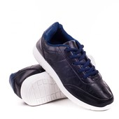 Чёрные мужские кроссовки с синими вставками