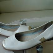 Кожаные мягкие туфлиCaprice, Германия  38 раз.