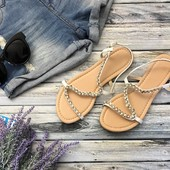 Необыкновенно красивые сандалии с оригинальным верхом и стразами  SH1282