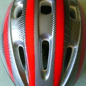 Защитный шлем для роликов и велосипеда