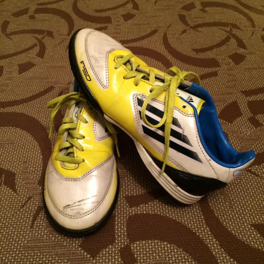Кросівки (бутси, кроссовки, сороконожки) adidas 34 р. стелька 21 см фото №1