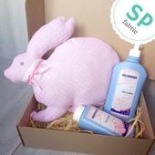 Набор ′Подушка зайка, лосьон и присыпка для новорожденных′